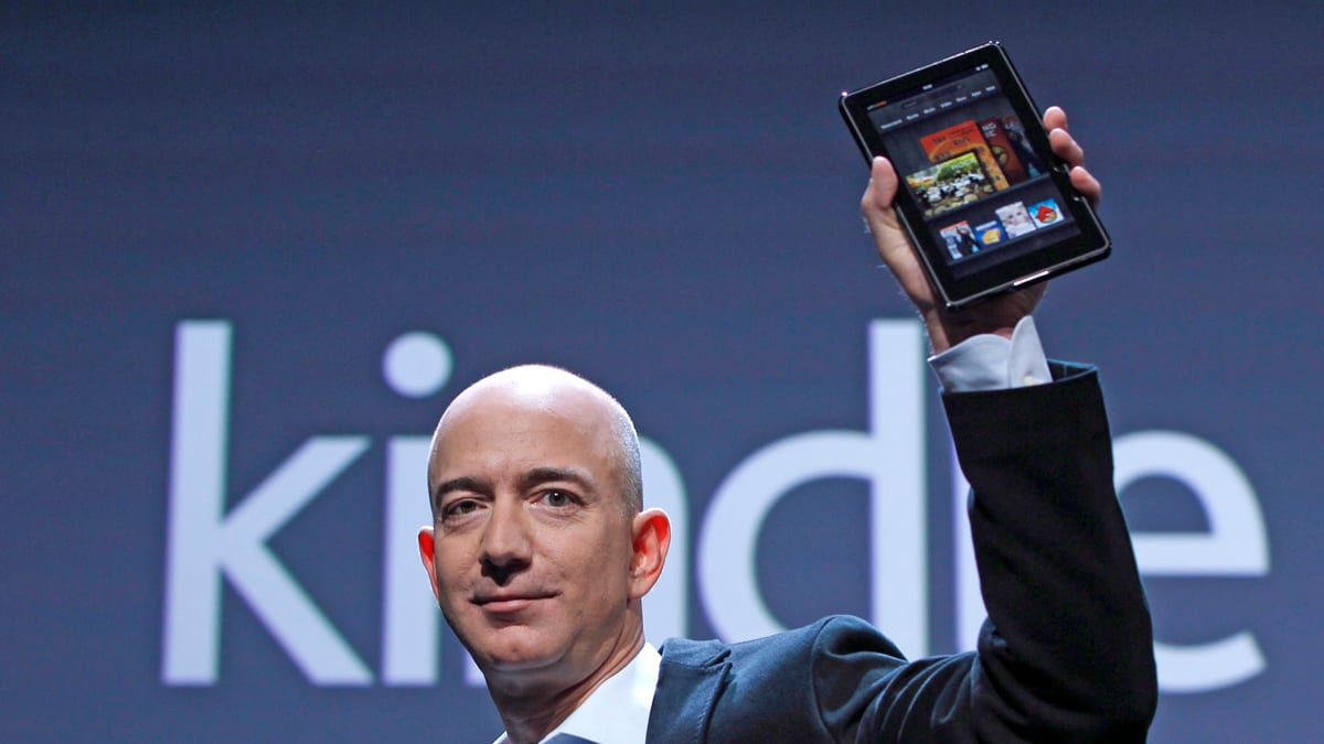 Безос и Амазон Kindle